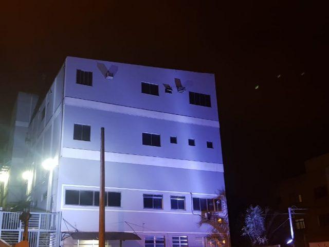 Nativita apoia Movimento Novembro Azul e ilumina fachada do seu parque fabril